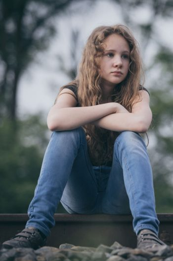 sitting-girl